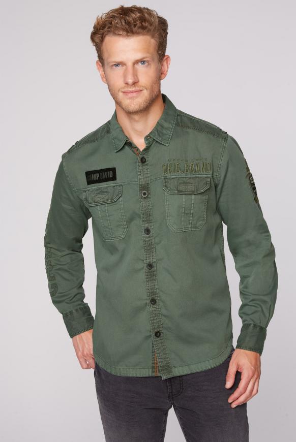 Cargo-Hemd mit Label-Applikationen pine