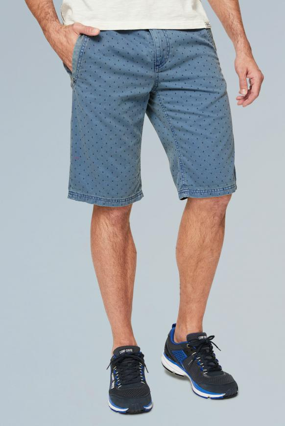 Chino Shorts mit All Over Print cliff grey