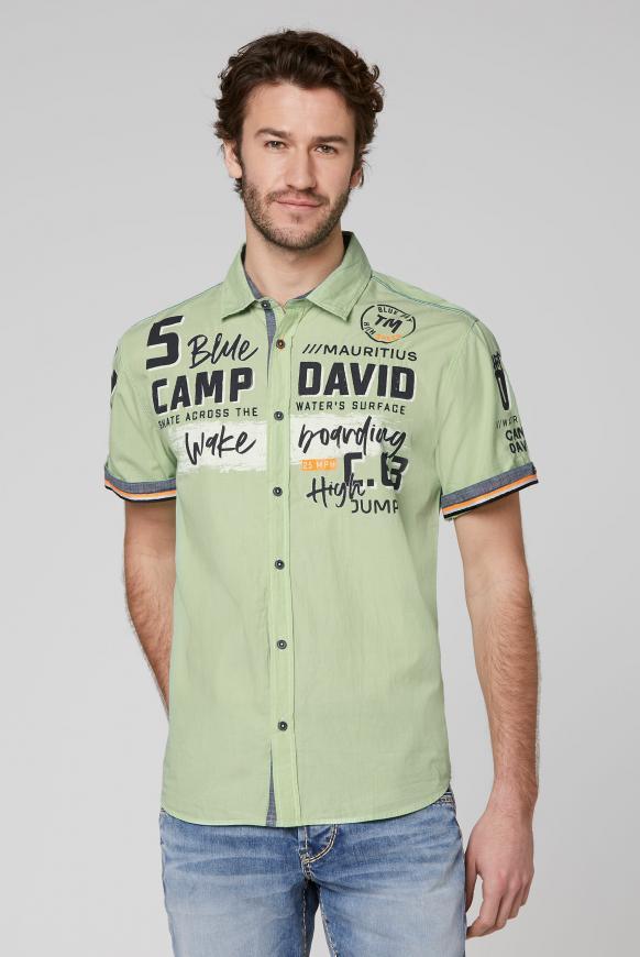 Fil à Fil Hemd mit plakativen Artworks kiwi green
