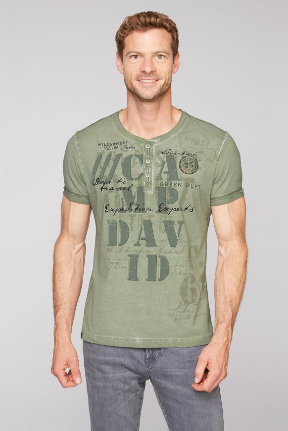 Henley-Shirt Oil Dyed mit Artwork treasure green