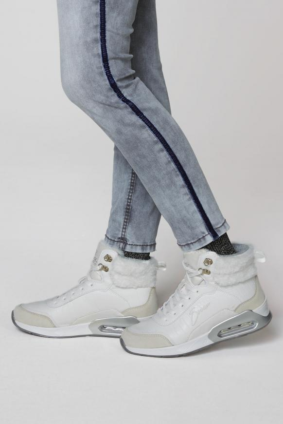 High Top Sneaker im Materialmix mit Logostick ivory
