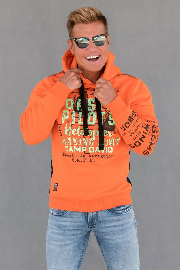 Hoodie mit Used Prints und Tapes signal orange