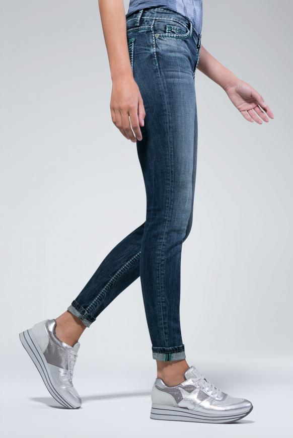 Jeans HE:DI mit dunkler Vintage-Waschung dark used