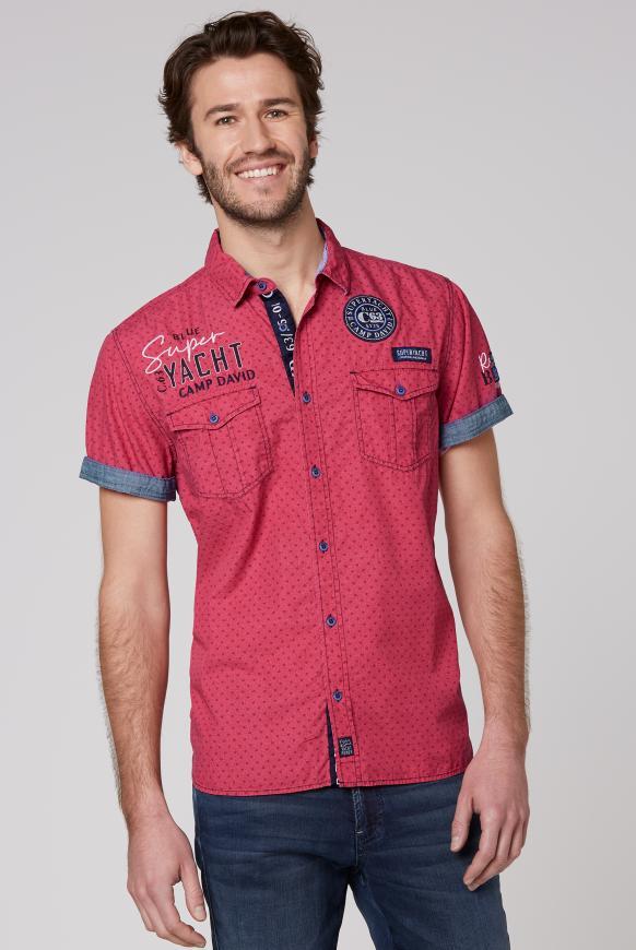 Kurzarmhemd mit All Over Print und Artworks yacht red