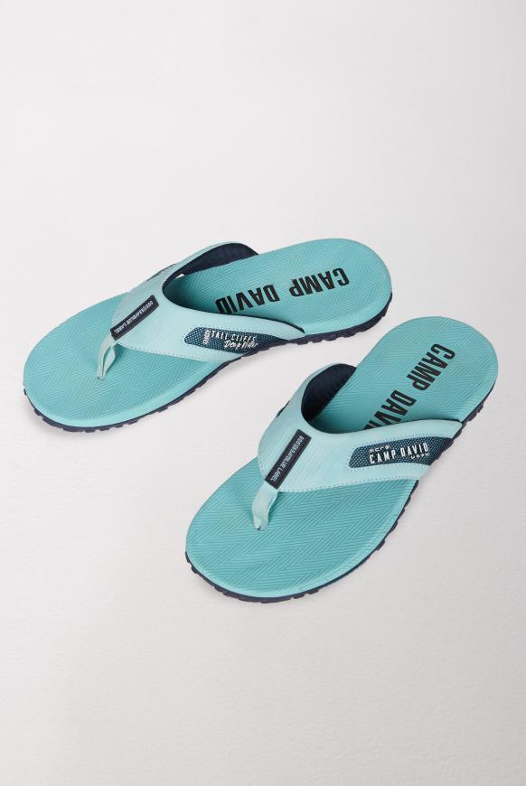 Moderner Beach Slipper mit Profilsohle fresh aqua