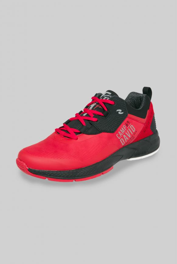 Moderner Sneaker im Materialmix mission red