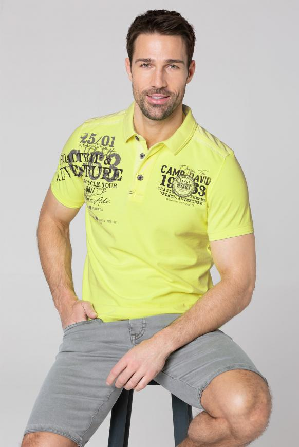 Polo aus Pikee mit Label-Applikationen neon lime
