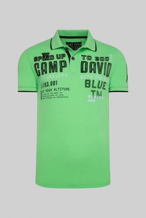 Poloshirt aus Pikee mit Label-Applikationen tech green