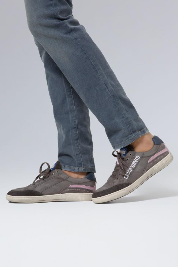 Sneaker aus Leder mit Logostick fossil grey