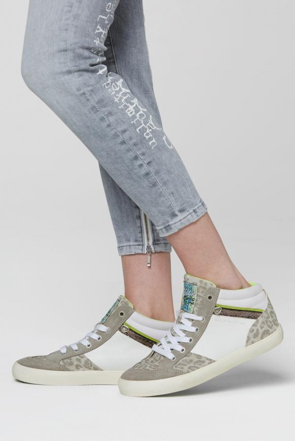 Sneaker im Material- und Farbmix white