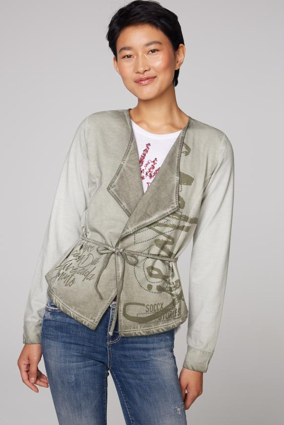 Sweatjacke Oil Dyed mit Artwork mellow olive