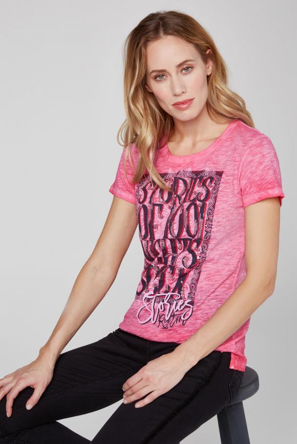 T-Shirt Oil Dyed mit Artwork oriental pink