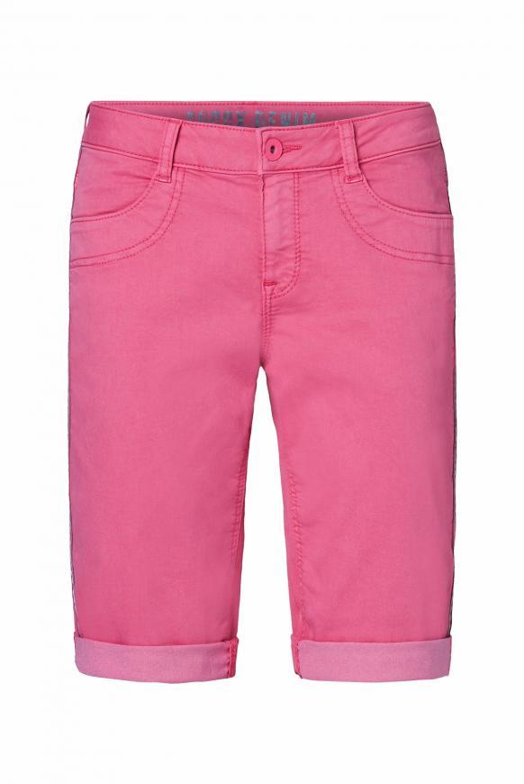 Coloured Jeansshorts DE:BY mit Streifentape oriental pink