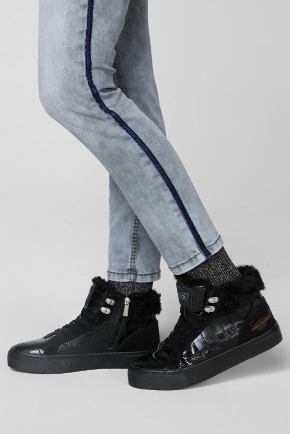 Plateau-Sneaker mit Kunstfellkragen black