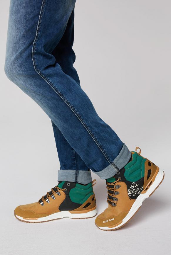 Robuster Sneaker in Wanderschuh-Optik tan